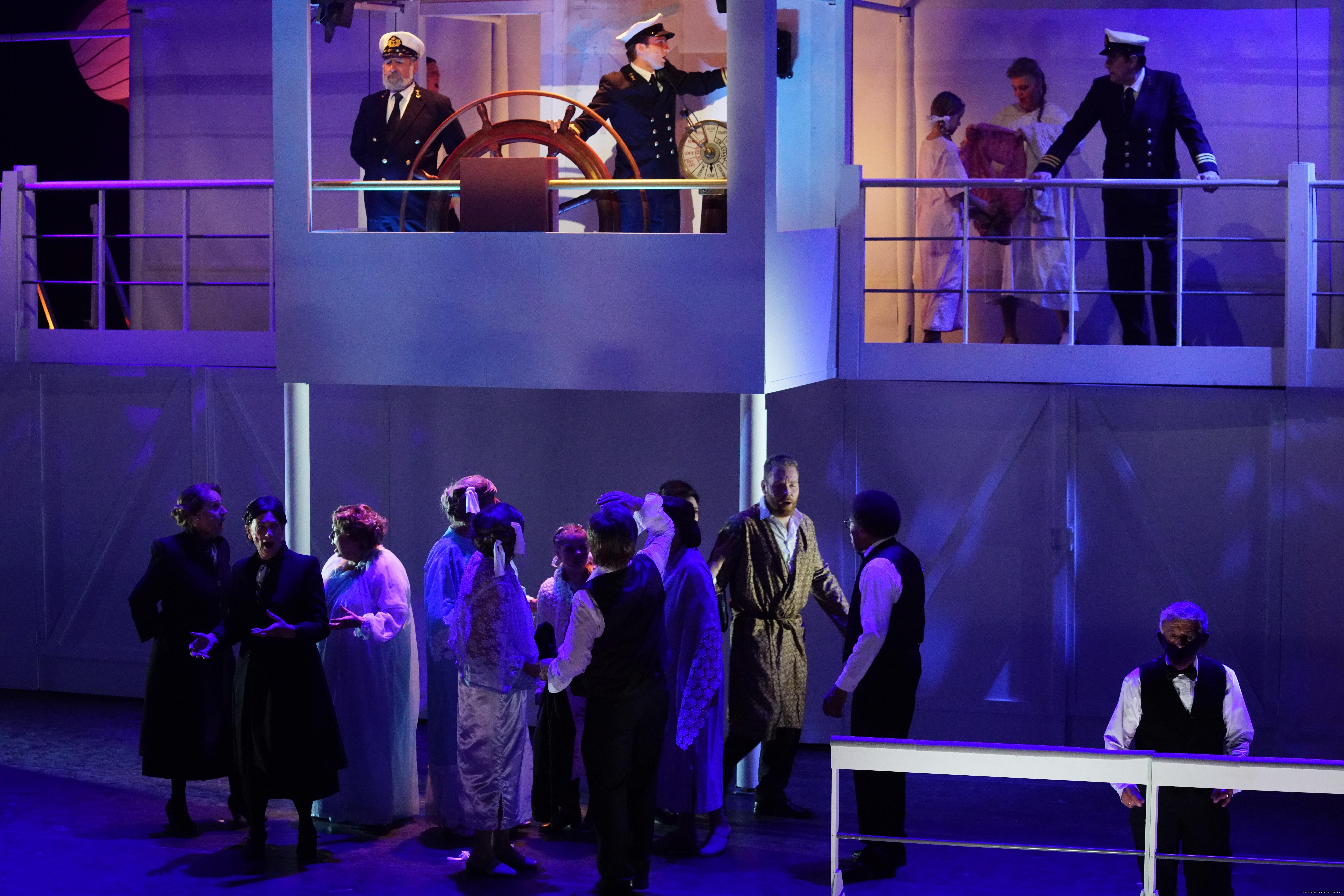 EMT Titanic voorstellingen Donald Schalk-0574.jpg